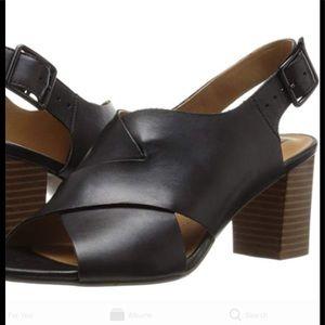 Clarks Artisan black leather block heel /LIKE NEW